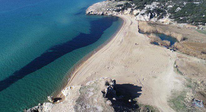 Saros-Korfezi-nden-kacak-alinan-kumlar-yerine-birakildi-440738
